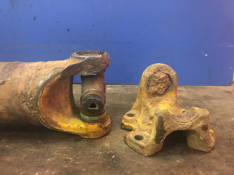 Замена двух крестовин, трубы карданного вала, приварной вилки, фланца кардана, балансировка
