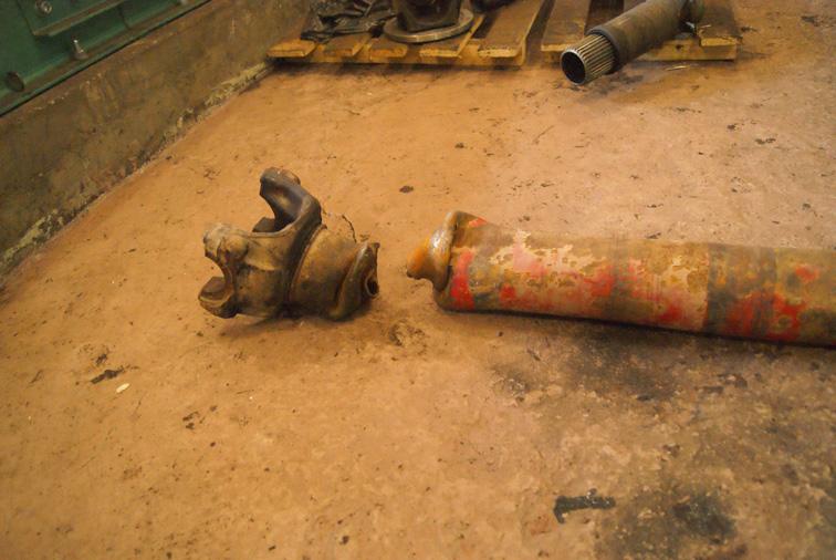 Элементы карданных валов до начала ремонта